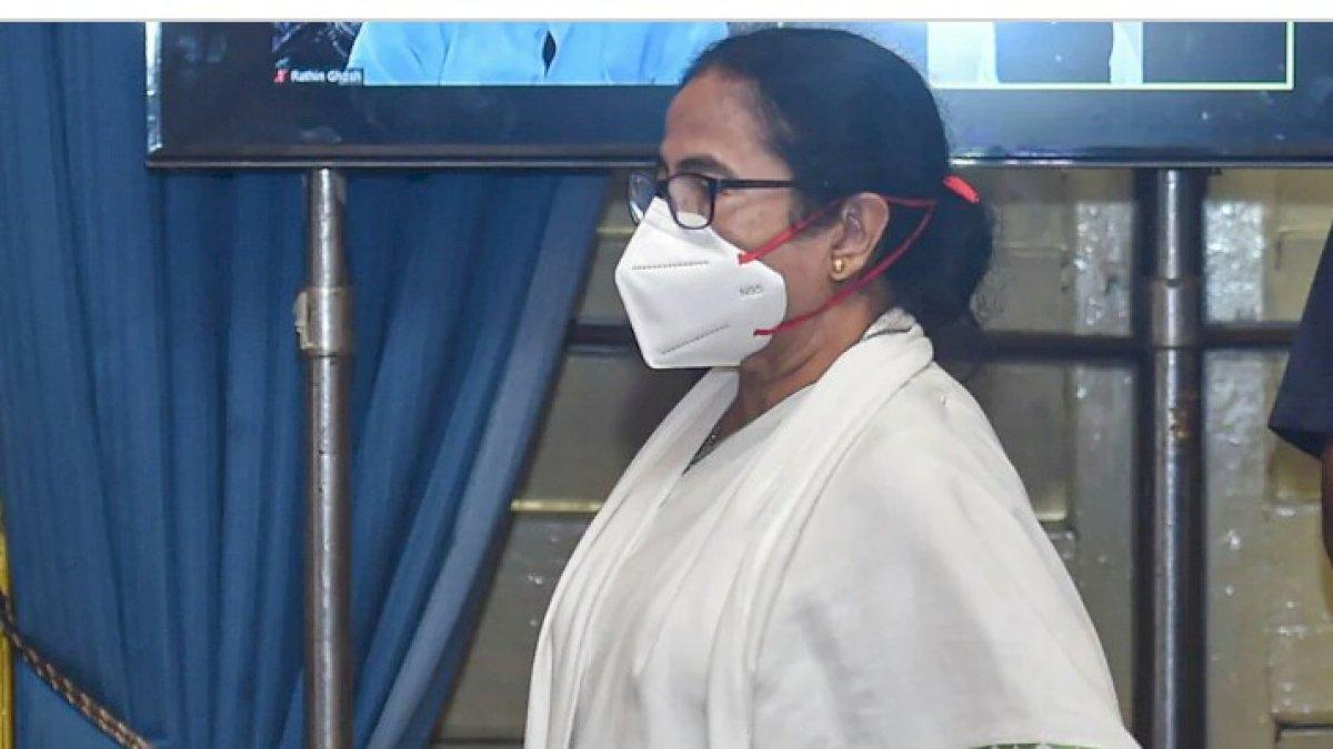 नारदा स्टिंग केस: CBI ने TMC नेताओं को किया गिरफ्तार, CBI दफ्तर पहुंची सीएम ममता