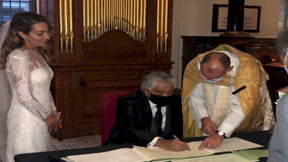 Harish Salve: वरिष्ठ वकील हरीश साल्वे ने लंदन के चर्च में रचाई दूसरी शादी